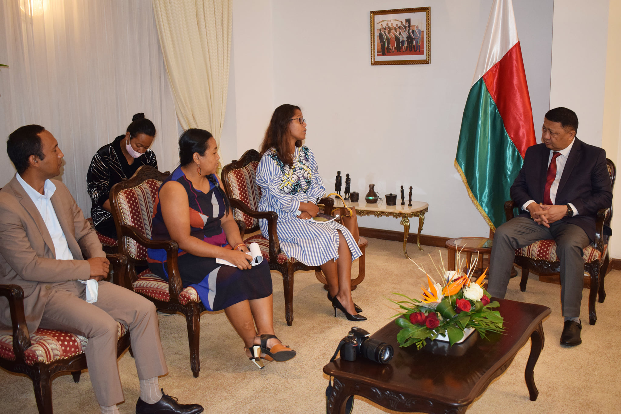 EISA Madagascar Country Representative, Jessica Ranohefy, being received by the Speaker of the President of the Senate of Madagascar, Mr. Razafimahefa Herimanana and her team in March 2021